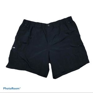 Columbia pocketed front zip and snap shorts